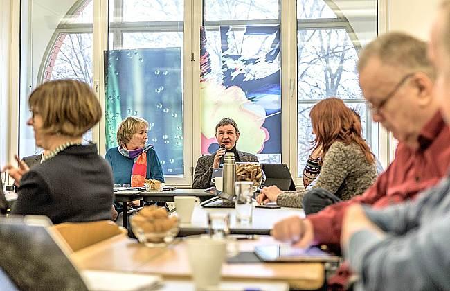"""Fotomaterial © DBR Franziska Vu, """"Mitglieder des Arbeitsausschusses tagen"""""""