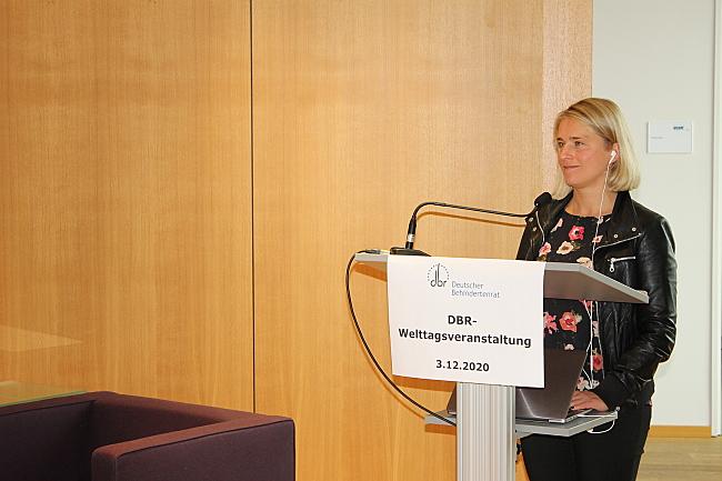 VdK-Präsidentin Verena Bentele am Rednerpult