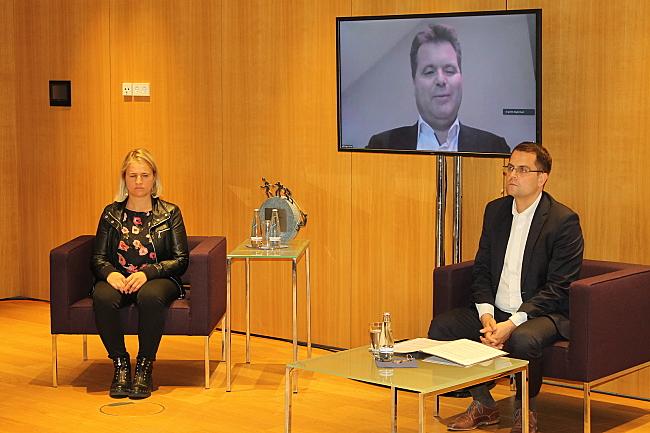 Diskussionsrunde mit Verena Bentele, Jürgen Dusel (auf dem Bildschirm) und Samuel Beuttler-Bohn