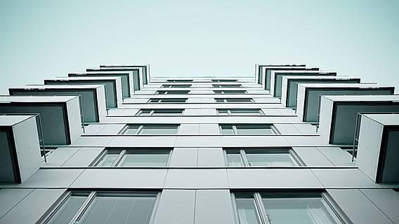Das Bild zeigt ein Wohnhaus