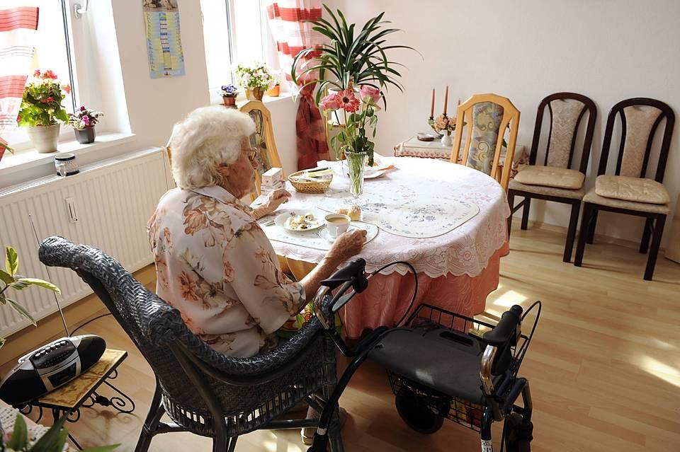 triftige gr nde wann ein pflegeheim einem bewohner k ndigen darf sozialverband vdk. Black Bedroom Furniture Sets. Home Design Ideas