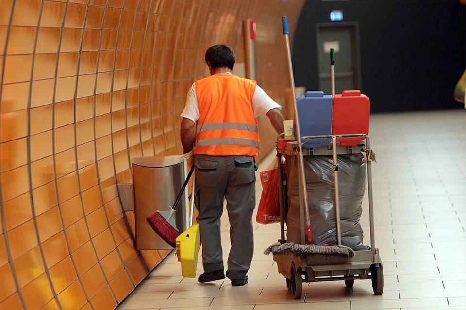 Fair bezahlte arbeit beugt altersarmut vor sozialverband for Reinigungskraft munchen
