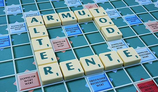 Symbolfoto: Scrabble-Steine bilden die Worte