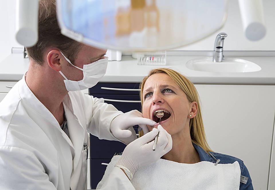 Er sucht sie zahnarzt